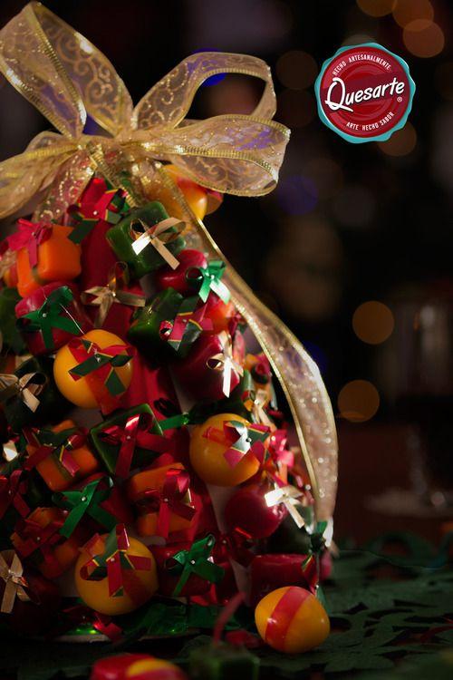Con materiales económicos, un poco de tiempo y mucho amor, puedes agregar esta idea Quesarte a tus decoraciónes navideñas. Aprende cómo en www.ideasquesarte.com