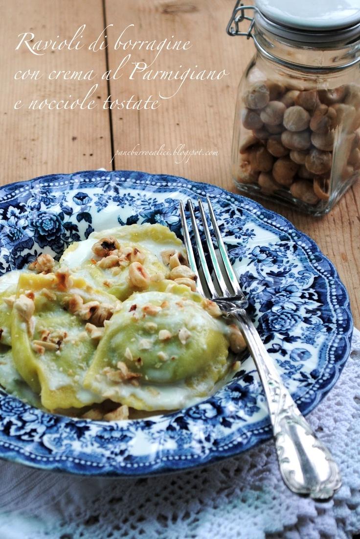 Pane, burro e alici: Ravioli di borragine e ricotta di capra con crema al Parmigiano e nocciole tostate