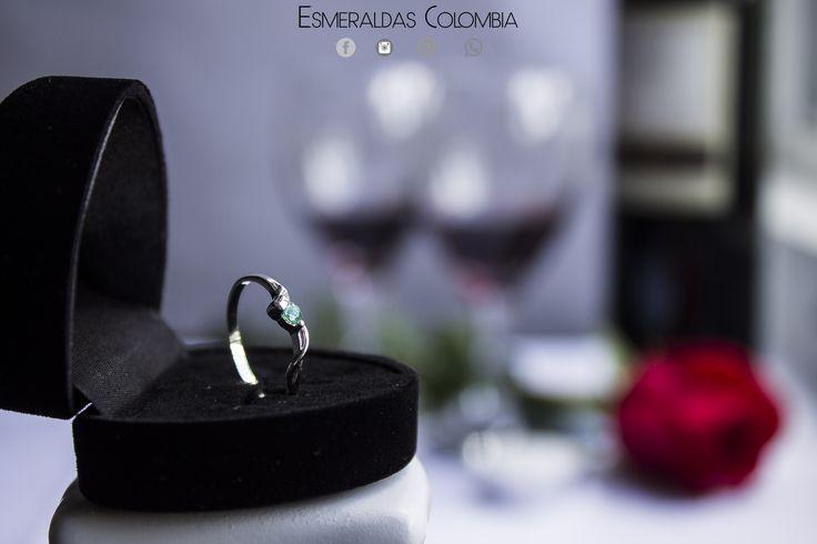 Colombian emerald ring silver 950 Colombian emerald ring silver 950 💍 Anillo con ESMERALDA COLOMBIANA PLATA 950 💍  con Certificado + Estuche 📞WHATSAPP 3147198811📞 Entrega en nuestras oficinas 🏢 Domicilio Contraentrega Medellin 🏁 Entrega Inmediata Todas las Tallas 🏁 Despachos A nivel nacional e internacional.