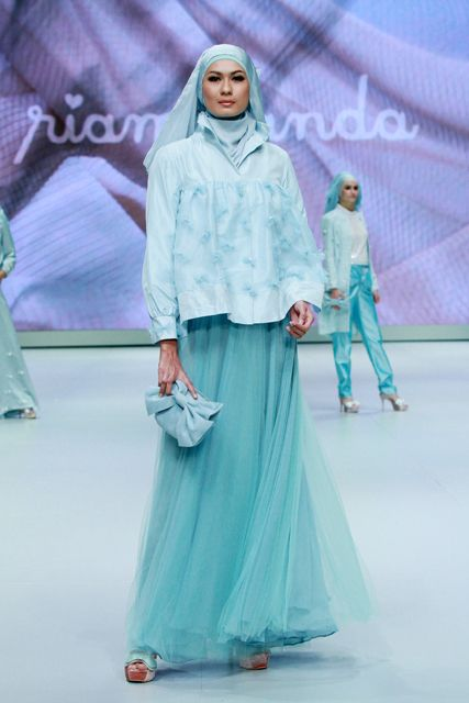 Ria Miranda's collection from Indonesia Fashion Week 2013.