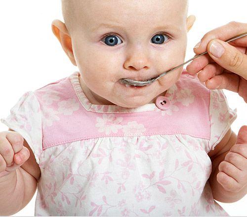http://clubulbebelusilor.ro/articol/1016/alimente-interzise-in-primul-an-al-bebelusului.html
