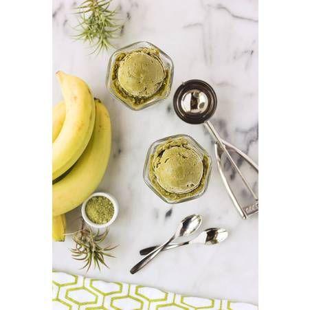 Nice cream banane et the matcha Le bon mix : rondelles de banane congelées + lait de coco +...