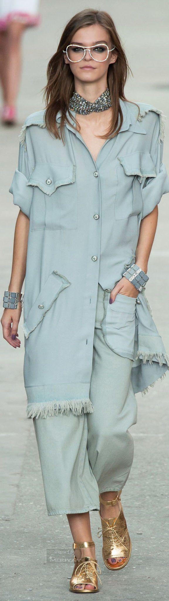 Farb-und Stilberatung mit www.farben-reich.com - Chanel.Spring 2015.