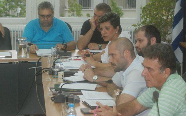 Λύσεις στο θέμα των εφημεριών του νοσοκομείου Νάουσας και του προσωπικού της ΕΤΑ προανήγγειλε ο δήμαρχος