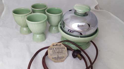 VINTAGE JADITE GREEN HANKSCRAFT EGG COOKER W/ 4 CUPS Model 815
