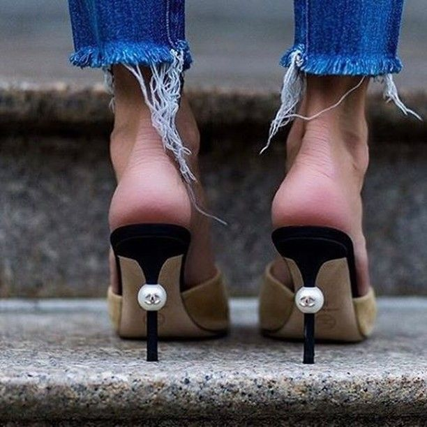 DO YOU. Just put him on STAND. BYE. Double tap if you're ready to. Credit - @styleone80 #shoes #chanel #stilettos #designershoes #issalook #fromwhereistand #instalove #instalike #bestofme #wiw @shoesoftheday #heelsoftheday #skyskraperheels #heelsaddict #shoesaddict #chanellover #love #cute #aboutalook #fashion #fashionaccessories #accessorieslover #accessoriesaddict #fashionblogger #fashionblog #style #werk ##amazing #look