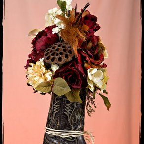 cowboy western bathroom ideas - I have an old  camping coffee maker I can put this bouquet in!