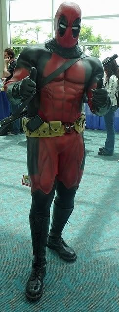 Deadpool the Merc with a Mouth gives this year's Comic Con two thumbs up | 20 Cosplays So Awesome It Makes You Wonder Why You Try