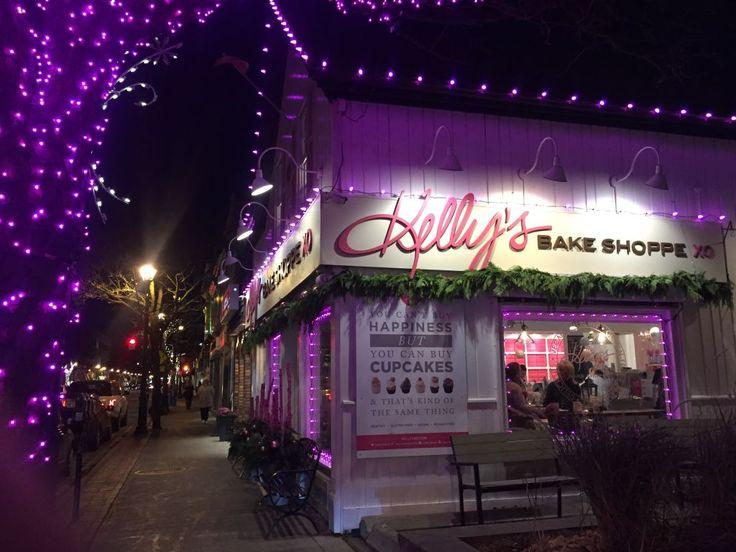 Santa is coming!! www.kellysxo.com   Kelly's Bake Shoppe