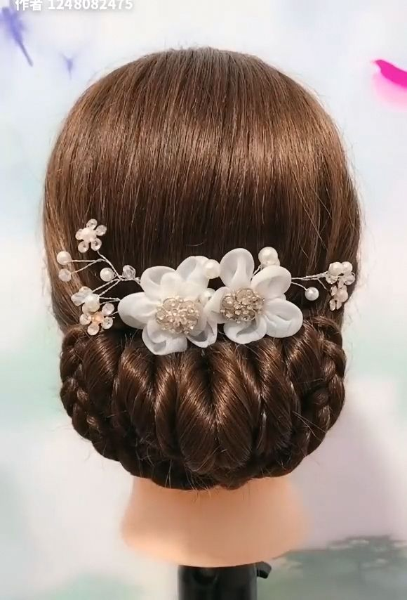 So easy and beautiful! You should definitely give them a try #prettybraidedhairstyles