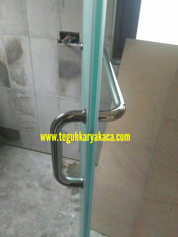 Pintu kaca tempered kamar mandi ...  www.teguhkaryakaca.com