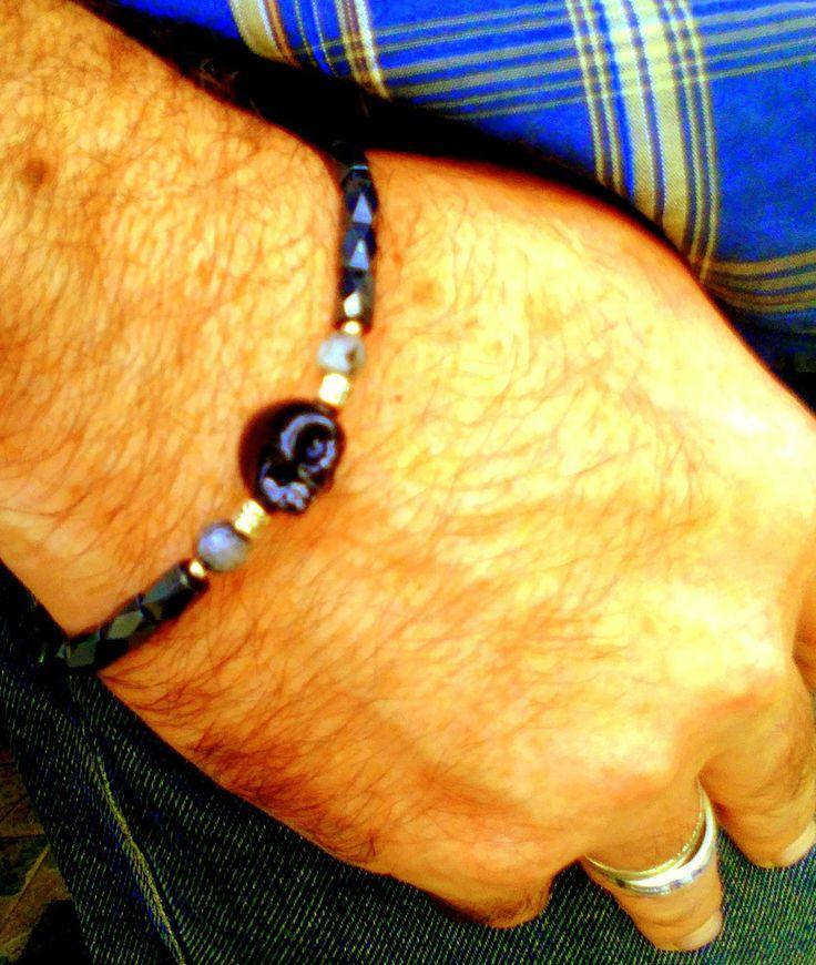Bracelet homme /Unisexe,en perles hematite et labradorite,crâne porcelaine…