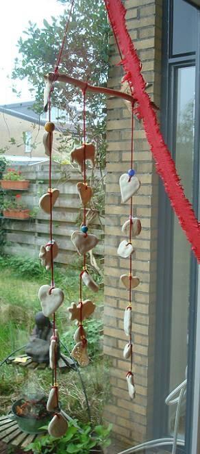 pinuki: mobiel van zoutbrooddeeg. Leuk cadeautje voor oma