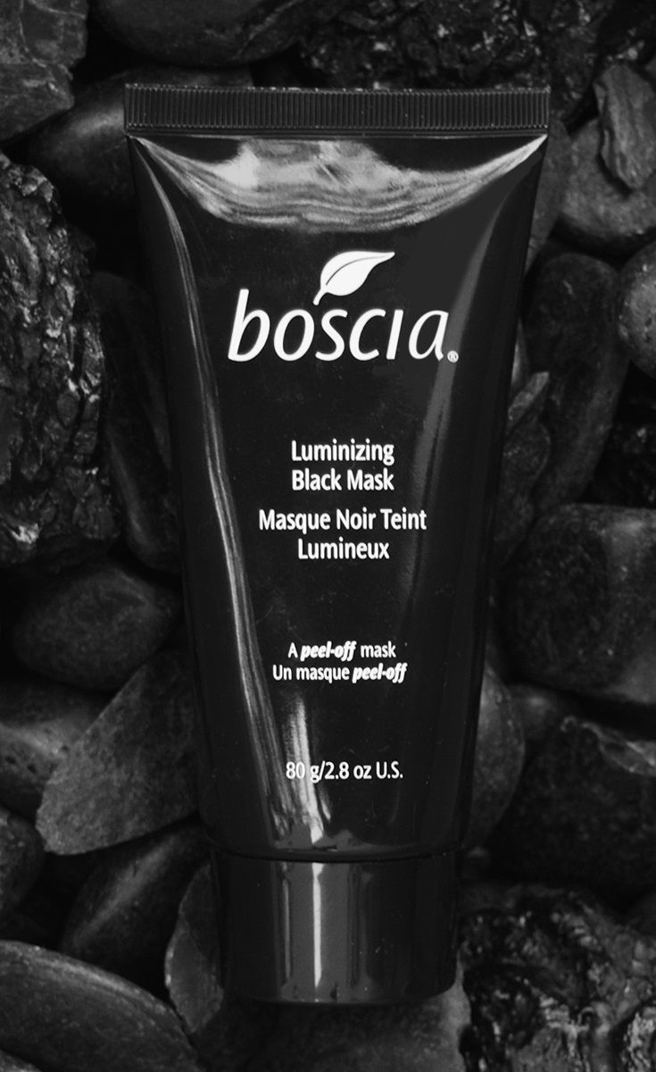 An innovative charcoal infused peel-off mask that helps boost skin clarity and minimize the appearance of pores. Removes dirt and impurities, absorbs excess oil and reveals a healthy, glowing complexion.