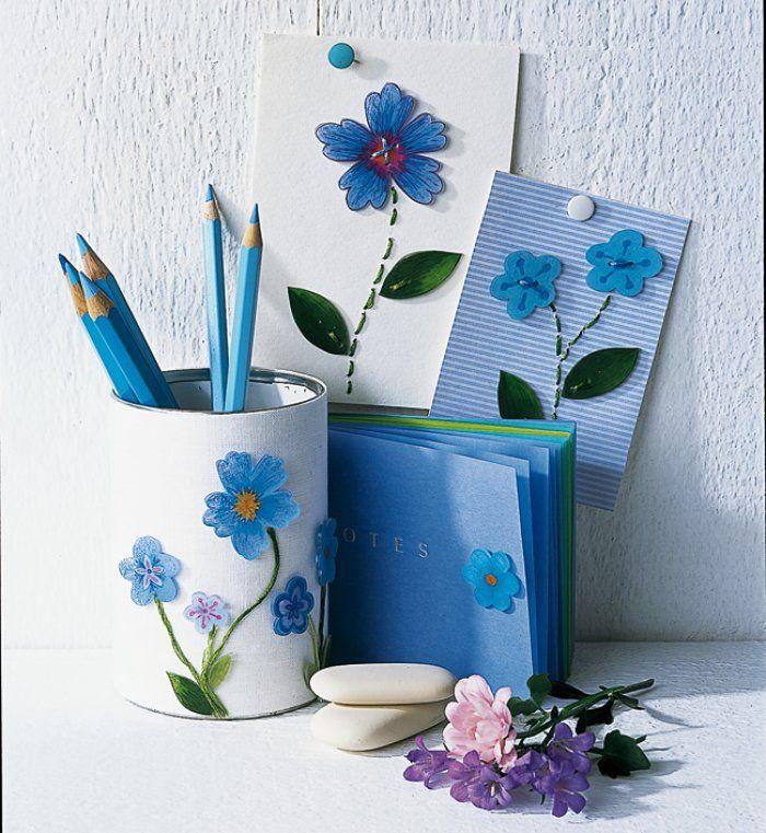 Des décorations fleuries en plastique fou