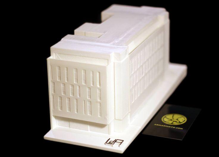 Maqueta terminada (material usado ABS Blanco) y lista para entregar: Encargo de la maqueta del edificio de la Calle de Mejia Lequerica nº 10 en Madrid por encargo del estudio de arquitectura: Laboratorio de Arquitectura.
