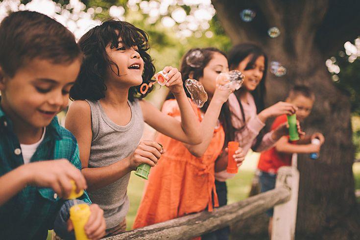 LOS NIÑOS FELICES SON: RUIDOSOS, INQUIETOS, ALEGRES Y REVOLTOSOS http://blgs.co/iTOyFw
