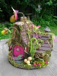 love the large flowers on this fairy house: Gardens Ideas, Fairies Fantasy, Orchids Fairies, Fantasy Forests Th, Fairy Houses, Fairies Gardens, Fairies Houses, Fairies Dwell, Faeries Houses