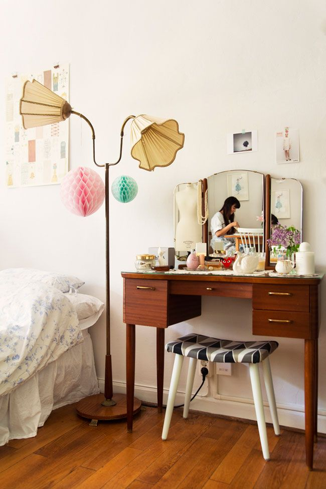 vintage dressing table, vintage light & shades with great lines.  happy places. love that lamp.