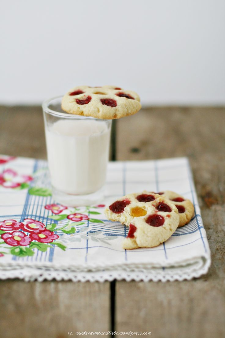 Jam drops - kleine very berry süße Marmeladenkekse oder: Postausmeinerküche, Teil 2