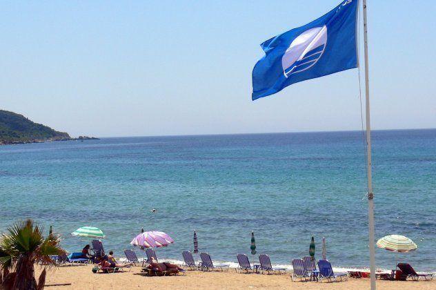 ΟΜΟΡΦΟΣ ΚΟΣΜΟΣ: Όλες Οι 486 Γαλάζιες Σημαίες Της Ελλάδας - Η Λίστα Των Παραλιών Του 2017  #Ελλάδα