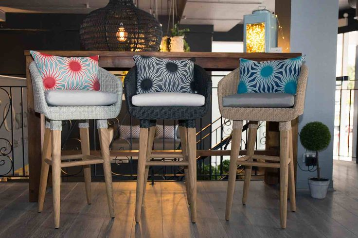 Outdoor - Furniture - Bar Table - Bar Stools - Recycled Teak - Scatter Cushions