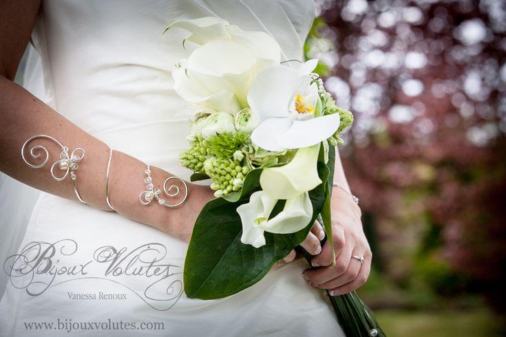 17 best images about bracelet mariage original on pinterest wire bracelets robes and manche. Black Bedroom Furniture Sets. Home Design Ideas