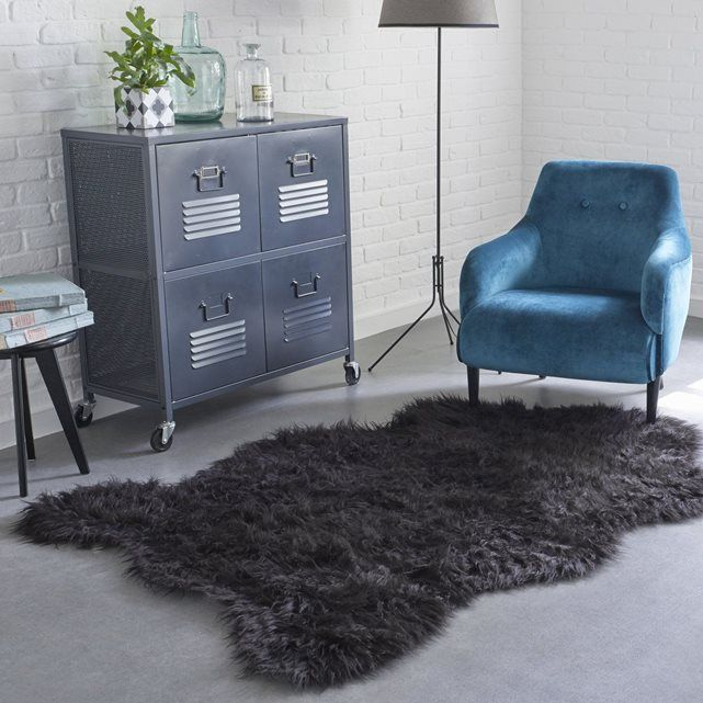 les 25 meilleures id es de la cat gorie tapis de fourrure sur pinterest d cor de fourrure. Black Bedroom Furniture Sets. Home Design Ideas