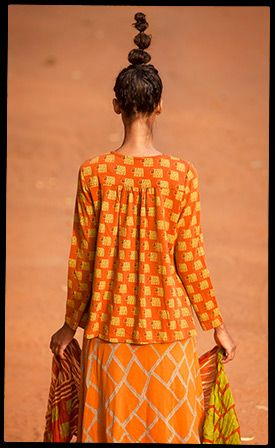 """""""Burkina"""" rayon artist's blouse – Jungle animals – GUDRUN SJÖDÉN – Webshop, mail order and boutiques 