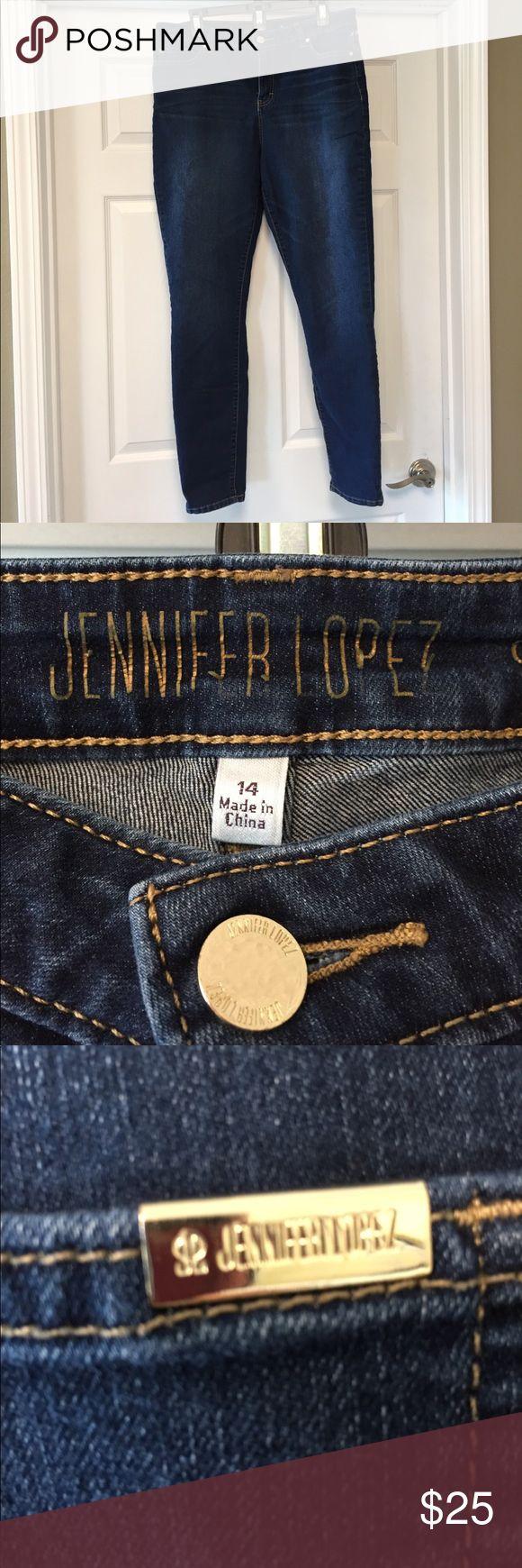 Jennifer Lopez jeans Straight skinny jeans. Great condition. Jennifer Lopez Jeans Skinny
