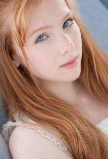 Molly C. Quinn....my own casting of Clary from Mortal Instruments...too bad it's not going to happen.
