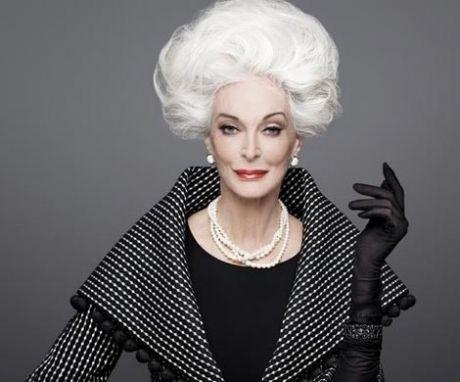 Уроки элегантного старения от француженок Во Франции количество красивых и элегантных женщин за 50 просто поражает. Эти женщины спокойно носят юбки выше колена, прекрасно выглядят, даже если их кожа неидеальна.