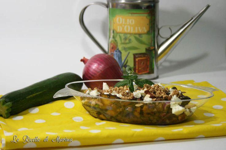 Ancora ricette di insalate, oggi vi propongo un'insolita insalata di lenticchie e zucchine, ricetta letta sul Corriere, e modificata.