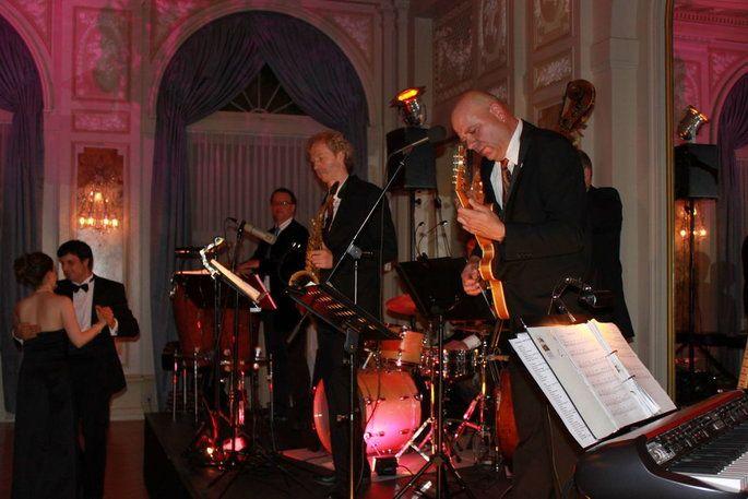 Die Besten Hochzeitsmusiker In Bern Kennenlernen Wir Stellen Echte Geheimtipps Vor Hochzeitsmusik Livemusik Hochzeit