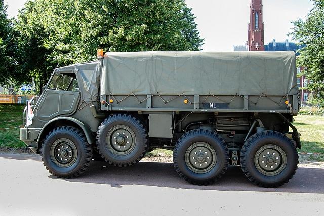 DAF YA 328 - 6x6 army truck