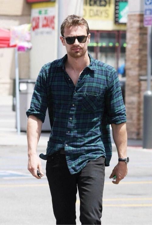 Imagen de theo james, divergent, and four
