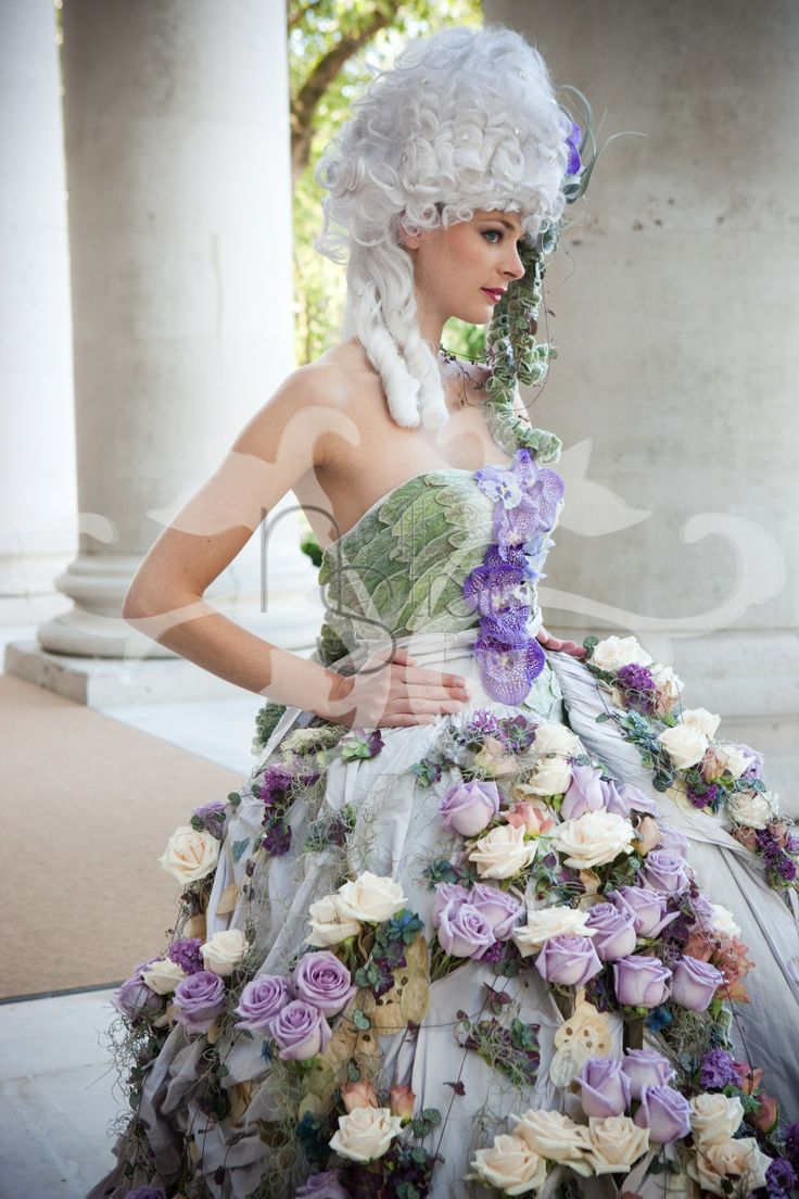 Fresh flowers meet haute couture with neill strain floral for Designer haute couture dresses
