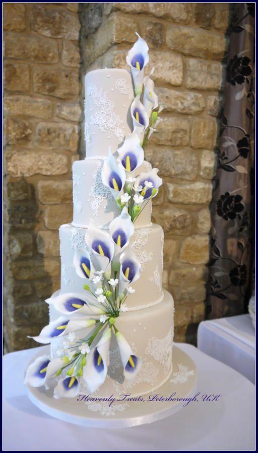 Calla lily Wedding Cake - Cake by Heavenly Treats by Lulu
