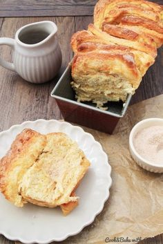 Apple and cinnamon pluck bread – crispy and airy at the same time