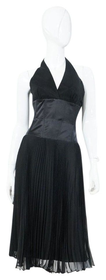 """Laundry by Shelli Segal Black Halter Satin Accordion Box Pleat Cocktail Dress. Marilyn Monroe Style. Ribbing to waist. New without tags NWOT, Size US 4, 100% Silk, Dry clean only. Bust 32"""", Waist 26"""", 44"""" Length"""