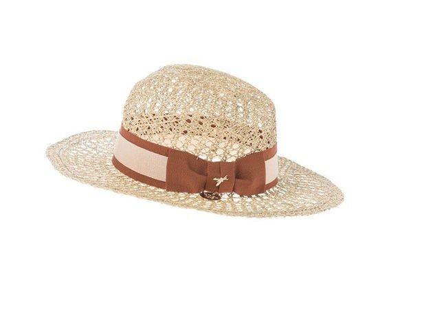 Il cappello più glamour di sempre, proclamato Patrimonio Immateriale dell'Umanità nel 2012. Patrizia Pepe propone una variante super glam!