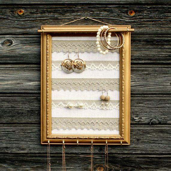 Présentoir à bijoux or mural, porte bijoux Shabby chic, organisateur de bijoux fait à la main, Bracelet affichage, Shabby chic en lin et porte collier dentelle