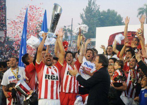 Estudiantes-Copa de Campeón 2010 - Club Estudiantes de La Plata - Wikipedia, la enciclopedia libre