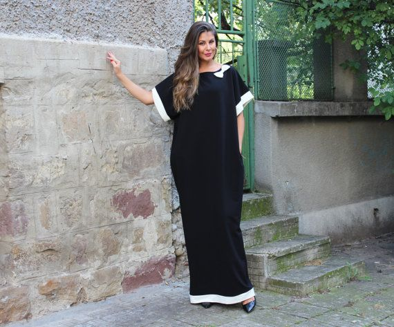 Hey, I found this really awesome Etsy listing at https://www.etsy.com/uk/listing/201906068/black-and-white-caftan-maxi-dress-abaya