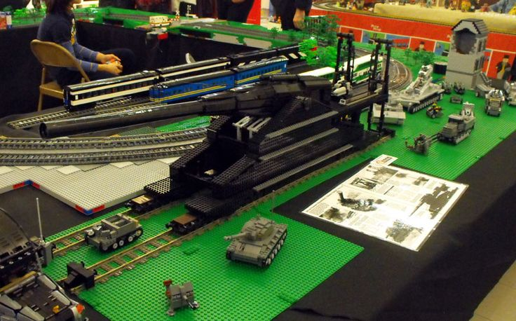 Dora WW2 Railgun, made out of Lego!