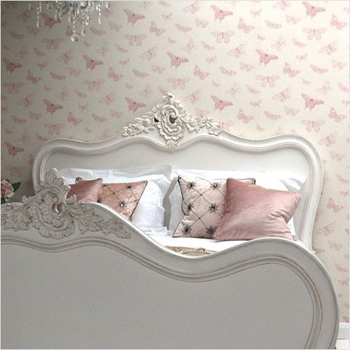 Classical White Bella Bed - Sweetpea & Willow London - Gorgeous!