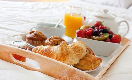 Завтрак в постель - идеальное начало дня с доставкой за 2490 руб.
