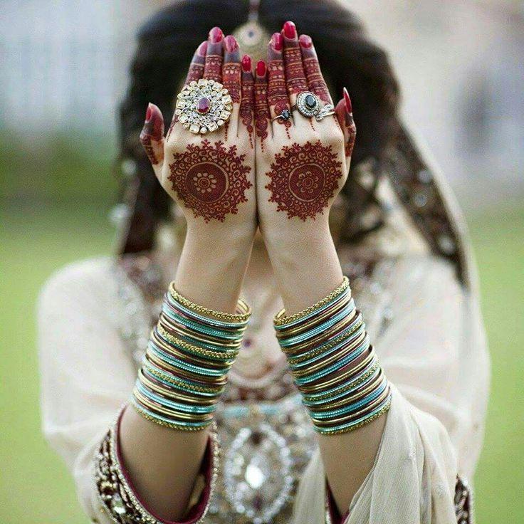 Beautiful designed mehndi.. #indianBride #bangles #beautifulhands