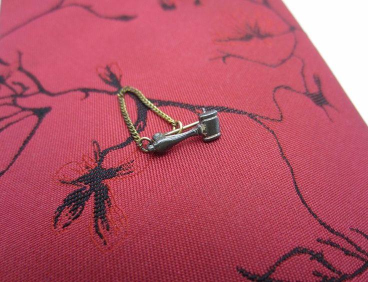 Vintage Mini Gavel Pin Badge Chain Retainer Auctioneer Court Judge Association