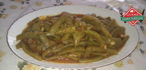 Zeytinyağlı Yeşil Fasulye Tarifi - Pratik Yemek Tarifleri. Gurme resimli kolay pratik Zeytinyağlı Yeşil Fasulye Tarifi nasıl yapılır yapılışı yapımı hazırlanışı